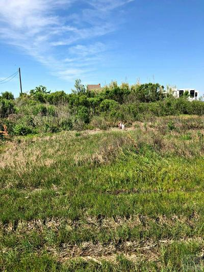1061 GULF SUPPLY RD, Gilchrist, TX 77617 - Photo 1
