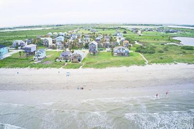 11225 BERNICE DR, Galveston, TX 77554 - Photo 2