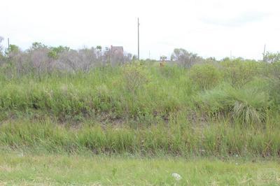 1060 SEAGULL LN, Gilchrist, TX 77617 - Photo 2