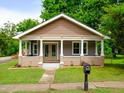 2901 N CHAMBERLAIN AVE, Chattanooga, TN 37406 - Photo 2