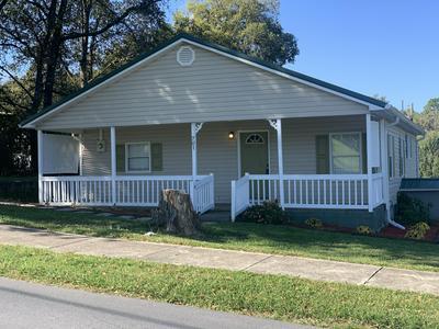 701 W 6TH ST, Chickamauga, GA 30707 - Photo 1