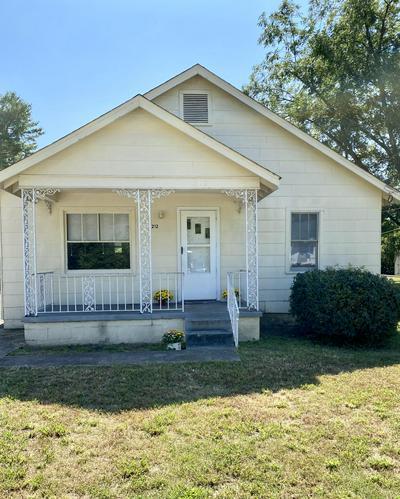 212 SPRUCE ST, Rossville, GA 30741 - Photo 1