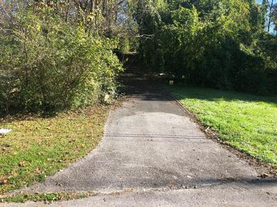 1150 OLD PINEVILLE RD, Chattanooga, TN 37405 - Photo 2