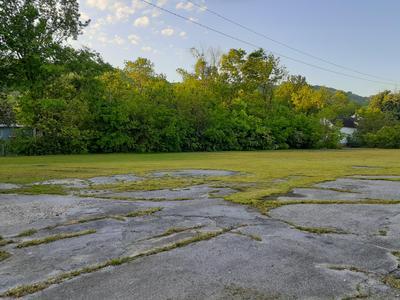 2418 GLASS ST, Chattanooga, TN 37406 - Photo 1