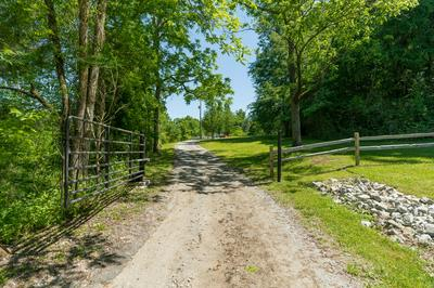 437 DAUGHERTY FERRY RD, Sale Creek, TN 37373 - Photo 2