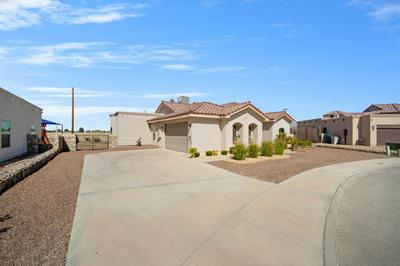 925 PELLEGRINO AVE, El Paso, TX 79932 - Photo 2