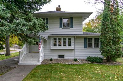 1101 REEVES DR, GRAND FORKS, ND 58201 - Photo 1