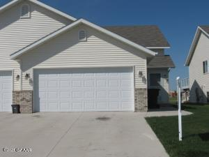 4844 CURRAN CT, GRAND FORKS, ND 58201 - Photo 1