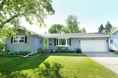615 25TH AVE S, GRAND FORKS, ND 58201 - Photo 1