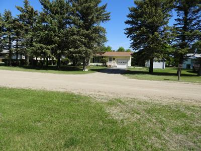 606 W 6TH AVE, EDMORE, ND 58330 - Photo 2