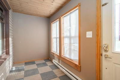 1006 1ST AVE N, GRAND FORKS, ND 58203 - Photo 2