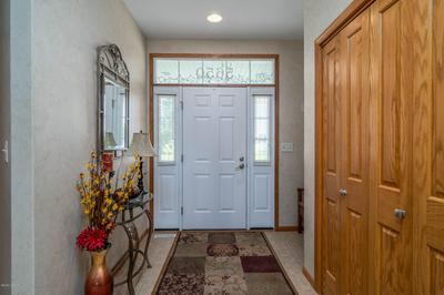5650 CYPRESS POINT DR, GRAND FORKS, ND 58201 - Photo 2