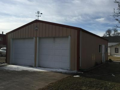 806 GRIGGS AVE, GRAFTON, ND 58237 - Photo 1