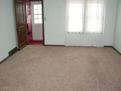 1804 4TH AVE N, GRAND FORKS, ND 58203 - Photo 2