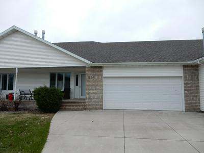 2524 SARA LYN DR, GRAND FORKS, ND 58201 - Photo 2