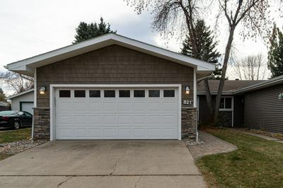821 S 24TH ST, GRAND FORKS, ND 58201 - Photo 2
