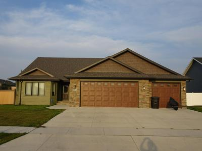 5915 WYDOWN DR, GRAND FORKS, ND 58201 - Photo 2