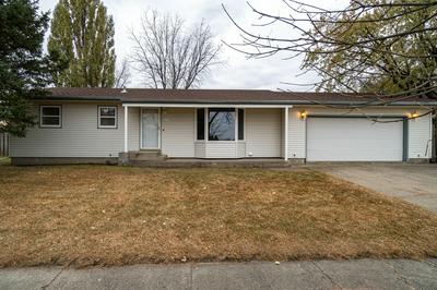 2105 20TH AVE S, GRAND FORKS, ND 58201 - Photo 1