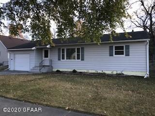905 13TH AVE S, GRAND FORKS, ND 58201 - Photo 1