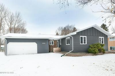 1025 10TH AVE SE, EAST GRAND FORKS, MN 56721 - Photo 1