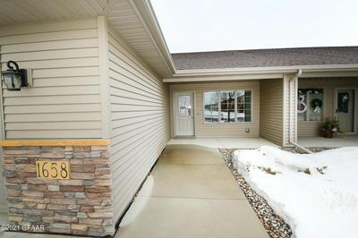 1658 38TH AVE S, GRAND FORKS, ND 58201 - Photo 2