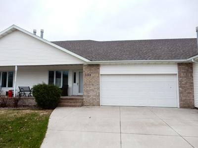 2524 SARA LYN DR, GRAND FORKS, ND 58201 - Photo 1