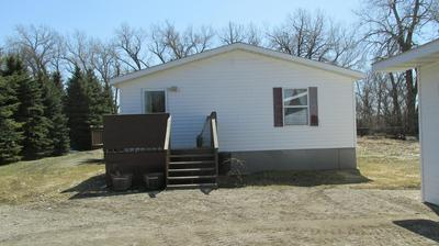 899 EAGLE AVE, REYNOLDS, ND 58275 - Photo 1