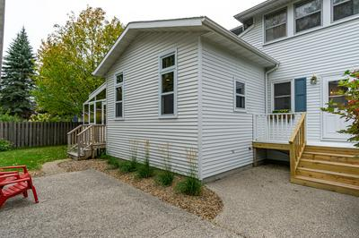1101 REEVES DR, GRAND FORKS, ND 58201 - Photo 2