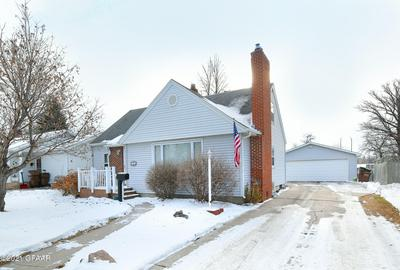 721 11TH ST NW, EAST GRAND FORKS, MN 56721 - Photo 2