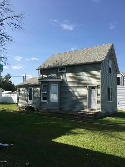 105 ELIZABETH ST, CAVALIER, ND 58220 - Photo 1