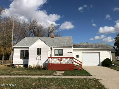 100 CENTRAL AVE, FINLEY, ND 58230 - Photo 1