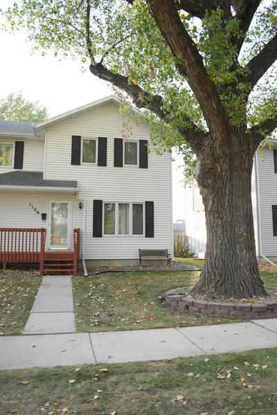 1126 S 12TH ST, GRAND FORKS, ND 58201 - Photo 2