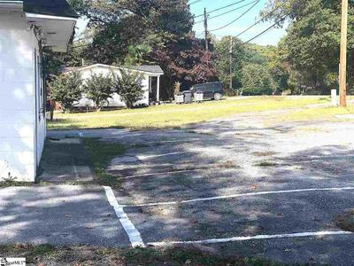 103 PLANTATION RD, Greenville, SC 29605 - Photo 2