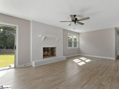 4206 OLD BUNCOMBE RD, Greenville, SC 29617 - Photo 2