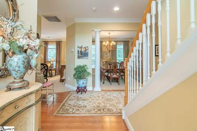 9 SOUTHERN HEIGHT DR, Greenville, SC 29607 - Photo 2