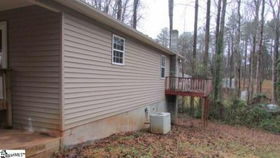 300 SCENIC AVE, CAMPOBELLO, SC 29322 - Photo 2