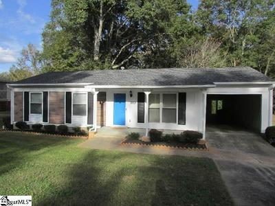 203 YOUNG DR, Laurens, SC 29360 - Photo 1