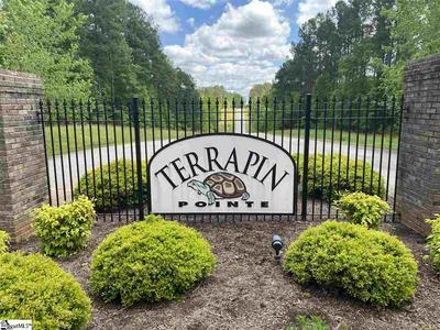 335 TERRAPIN POINTE RD, Hodges, SC 29653 - Photo 2