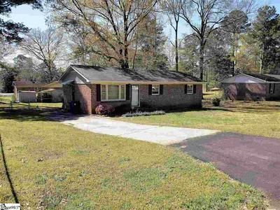 108 SQUIRREL TREE RD, Greenwood, SC 29646 - Photo 1