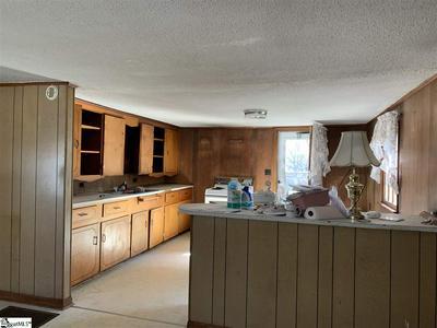 1673 DOUBLE BRANCH RD, Cowpens, SC 29330 - Photo 2