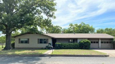 117 CRESTWOOD DR, Fredericksburg, TX 78624 - Photo 1