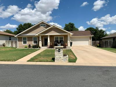 207 GREEN OAKS LOOP, Fredericksburg, TX 78624 - Photo 1