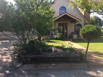 104 ROCHELLE ST, Brady, TX 76825 - Photo 2