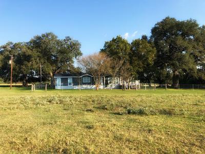 3615 METTING SCHOOL RD, Yorktown, TX 78164 - Photo 2