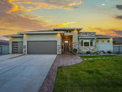 2190 KNOWLES CANYON AVE, Grand Junction, CO 81507 - Photo 2
