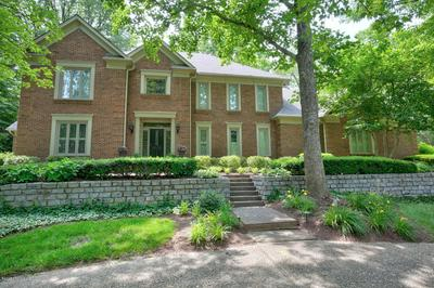 1012 ANCHORAGE WOODS CIR, Anchorage, KY 40223 - Photo 2