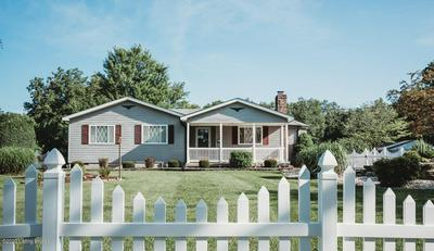 4419 N CAMDEN LN, Crestwood, KY 40014 - Photo 2