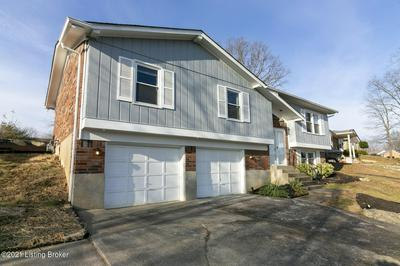 2711 WINDSOR FOREST DR, Louisville, KY 40272 - Photo 2