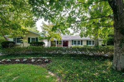 803 LINDEN DR, Anchorage, KY 40223 - Photo 2