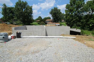 10900 HIDDEN TRAIL CT, Louisville, KY 40229 - Photo 2